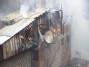 Artvin'in Borçka İlçesinde Korkutan Yangın
