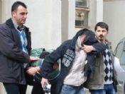 Kamyondan Mazot Çalan İki Hırsız Yakalandı