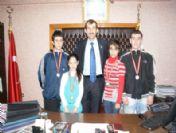 Küçük Karatecilerden Başkan Kahraman'a Teşekkür
