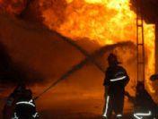Sultanbeyli'de Plastik Deposunda Yangın