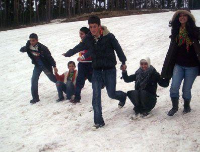 AHMET ALTUNBAŞ - Silvanlı Çocukların Kayak Hayali Boş Çıktı