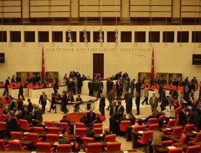 İZZETTIN YıLMAZ - MHP Meclis'e 5 ayrı yasa teklifi sundu