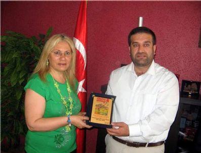 ŞAMANIZM - Şair Münevver Düver'e 'Şiire Üstün Hizmet' Ödülü