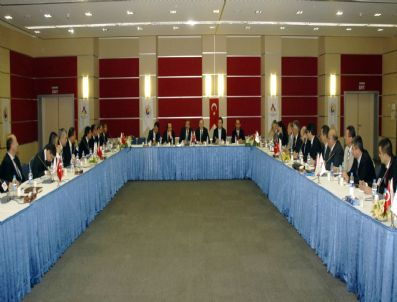 ARSAN TEKSTIL - Tekstil Sanayi Meclisi'nde Konukoğlu Güven Tazeledi