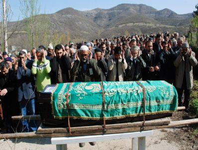 Kkka'dan Ölen Yaşlı Adam Toprağa Verildi