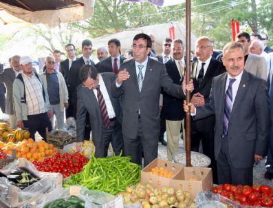 Devlet Bakanı Cevdet Yılmaz Çilek Festivaline Katıldı