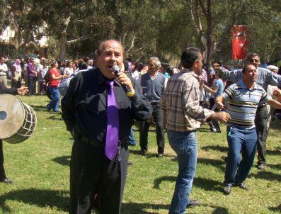 KORUALAN - Konya Hadimliler, Kuşadası'nda Düzenlenen Pilav Gününde Buluştu
