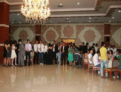 ABDURRAHMAN BULUT - Liseli gençler okullarına veda etti