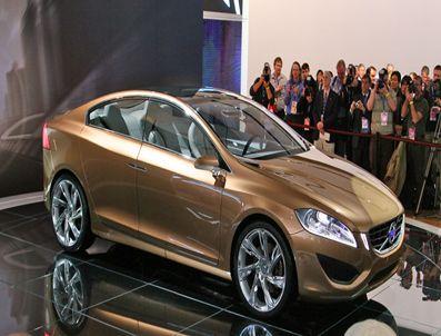 Volvo S60, 1500 euro'ya yayaların dostu olacak