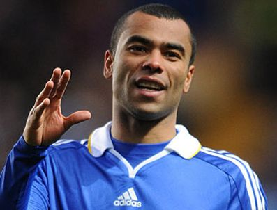 CHERLY COLE - Real Madrid Ashley Cole ile ilgileniyor