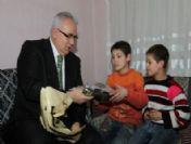 Çorum Valisi Çakır 2010'un Son Gününü Çocuklar Ve Engelli Çifte Ayırdı