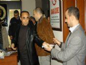 Emniyet Müdürü Aksoy, Yılbaşına Personeli Birlikte Pasta Keserek Girdi