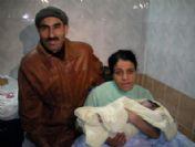 Manisa'da Yeni Yılın İlk Bebeği Enes Oldu