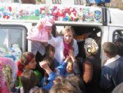 Ödemiş Sağlık Yüksekokulu Öğrencileri Yılbaşında Çocukları Sevindirdi