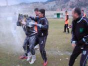 Pozantıspor'da İlginç Kutlama