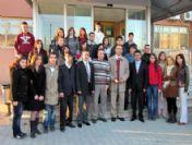 Üniversite Öğrencileri Yılbaşında Hastaları Ziyaret Etti