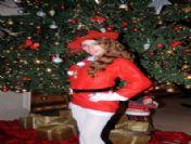 Yeni Yıla Dansçı Kızlarla 'Noel Kızlar' Damgasını Vurdu