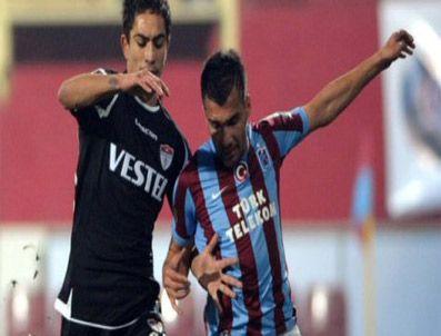 BORDO MAVILI TAKıM - Trabzonspor rakiplerine büyük gözdağı verdi