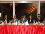 Düzce Belediye Başkanı İsmail Bayram Daire Müdürleri İle 2010 Yılını Değerlendirdi