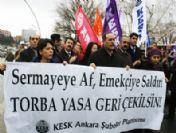 Meclis Önünde 'Torba Yasa' Protestosu