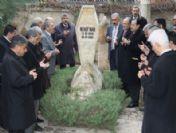 Şair-yazar M.akif İnan Mezarı Başında Anıldı