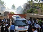 Pakistan'da valiye silahlı saldırı