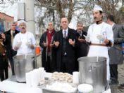 Başkan Ergün Nurlupınar Ve Horozköy'de Aşure Dağıttı