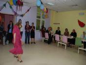 Engelli Kızdan Yıldız Tilbe Dansı