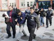 Hırsızlık Yaptığı İddia Edilen 3 Kişi Gözaltına Alındı