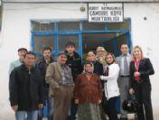 Medical Park Uşak Hastanesi'nden Çamdere Köy Revirine Sağlık Malzemesi Yardımı