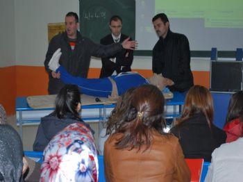 HAZARLAR - Üniversite Öğrencilerine İlk Yardım Semineri