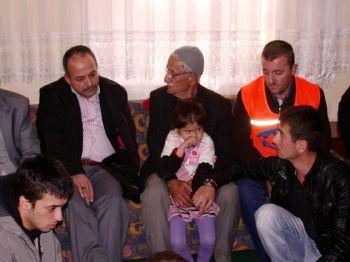 MEHMET ERASLAN - Kimse Yok Mu Gönüllüleri Bitlis`te Terör Mağduru Aileyi Unutmadı