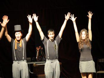 SUI GENERIS - Sui Generis Tiyatro Topluluğu Manisalılardan Tam Not Aldı