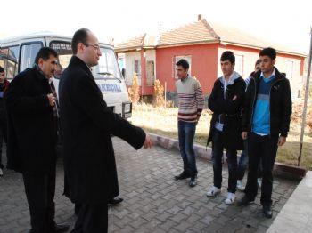 NURETTIN KONAKLı - Karakeçili Halkı Depremzede Öğrencileri Bağrına Bastı