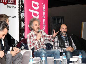 DELI YÜREK - 'entelköy Efeköye Karşı' Filminin Balıkesir Galası Yapıldı