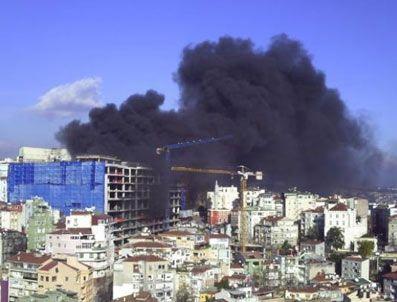 NURETTIN SÖZEN - İnşaat halindeki otoparkta yangın çıktı