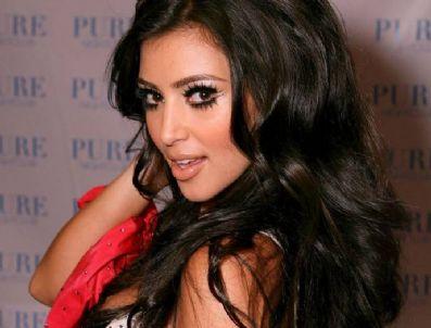 JOHN TRAVOLTA - Kim Kardashian mafyaya gelin gidiyor