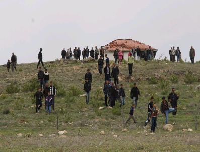 Türkiye'nin En Büyük Meyve Fidanı Bahçesi Damlama Sistemi Kurulmasını Bekliyor