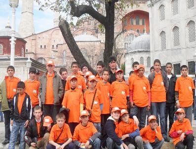 Eğitimde Yeşeren Ümitler İstanbul'a Hayran Kaldı
