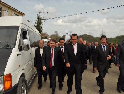 Ak Parti'li Adayların Seçim Gezileri