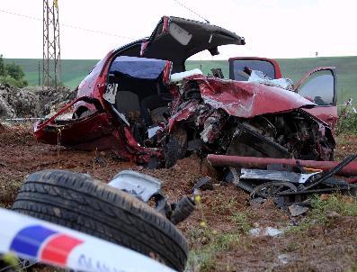 Diyarbakır'da Trafik Kazası: 3 Ölü, 3 Yaralı