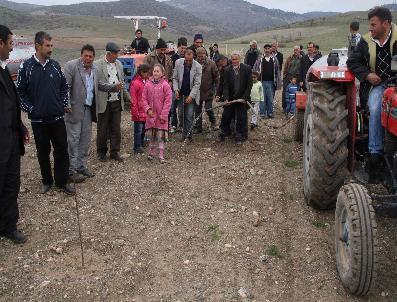 Kadışehri Kabalı Köyü Meyve Üretim Merkezinin Damlama Su Sitemi Sorunu Çözümleniyor