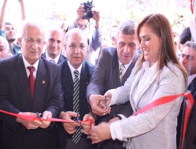 ÜMIT AKKUŞ - Dr.Neslihan Çelik, Seçim Bürosu Açtı