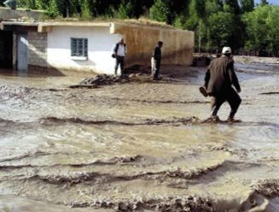 RAHMI TEKIN - Balıkesir'de sel nedeniyle bir ev ve köprü yıkıldı