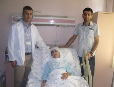 İBRAHIM AYVAZ - Organları Ters Tarafta Bulunan 83 Yaşındaki Kadına Başarılı Ameliyat