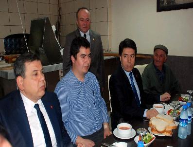Meclis Üyesinden Çalışma Arkadaşlarına Yemek