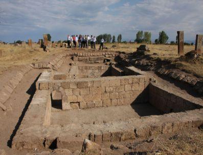 RAHMI TEKIN - Ahlat`taki Tarihi Selçuklu Mezarlığı`nda Kazı Çalışmaları Başladı