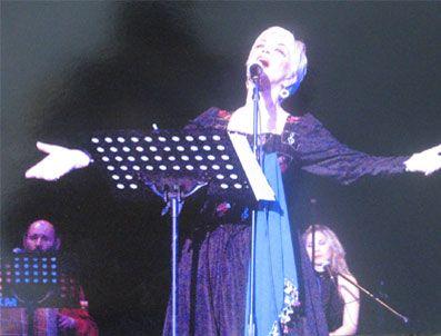 MODERN FOLK ÜÇLÜSÜ - Esin Avşar'ın 'Caz Yorumlarıyla Aşık Veysel'ini bir kez daha müzikseverlerin beğenisine sundu.
