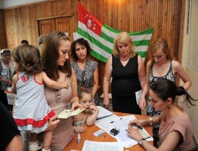ABHAZYA - Abhazya Yeni Liderini Seçmek İçin Sandığa Gitti