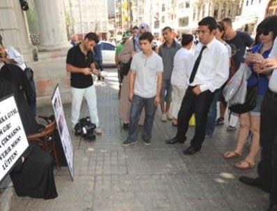 ASMALı MESCIT - Masa sandalye yasağına davullu protesto